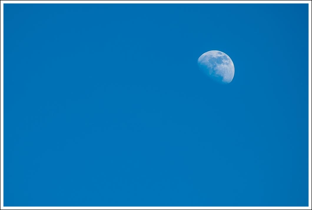 Luna, espacio negativo