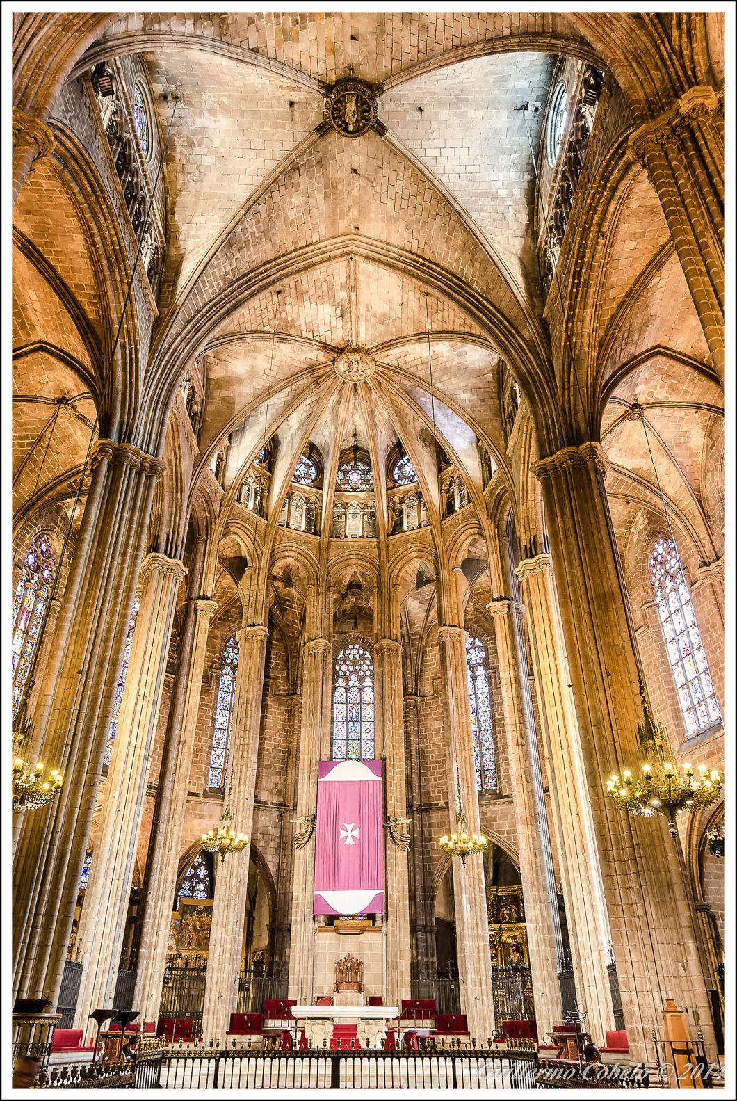 Catedral de Barcelona. ISO 1600. f/4. 1/8. A pulso.
