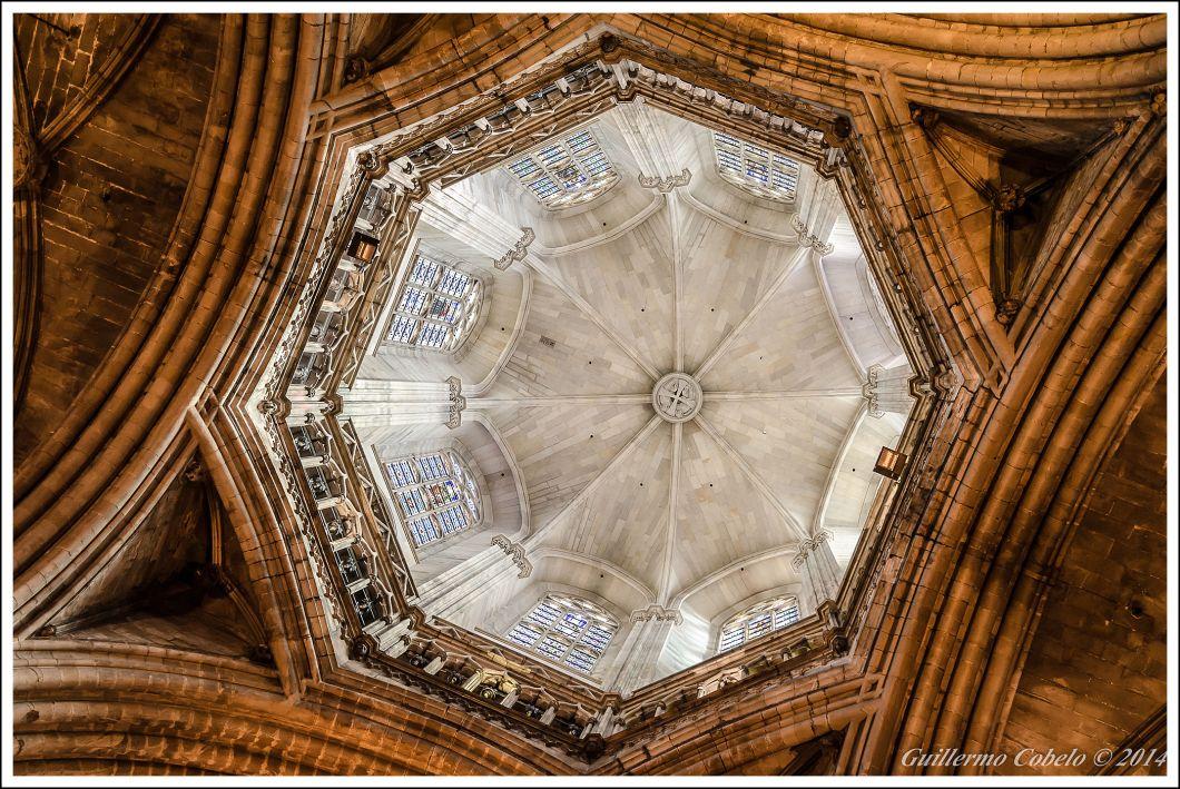 Cúpula de la Catedral de Barcelona. ISO 800. f/5.6. 1/25. A pulso.
