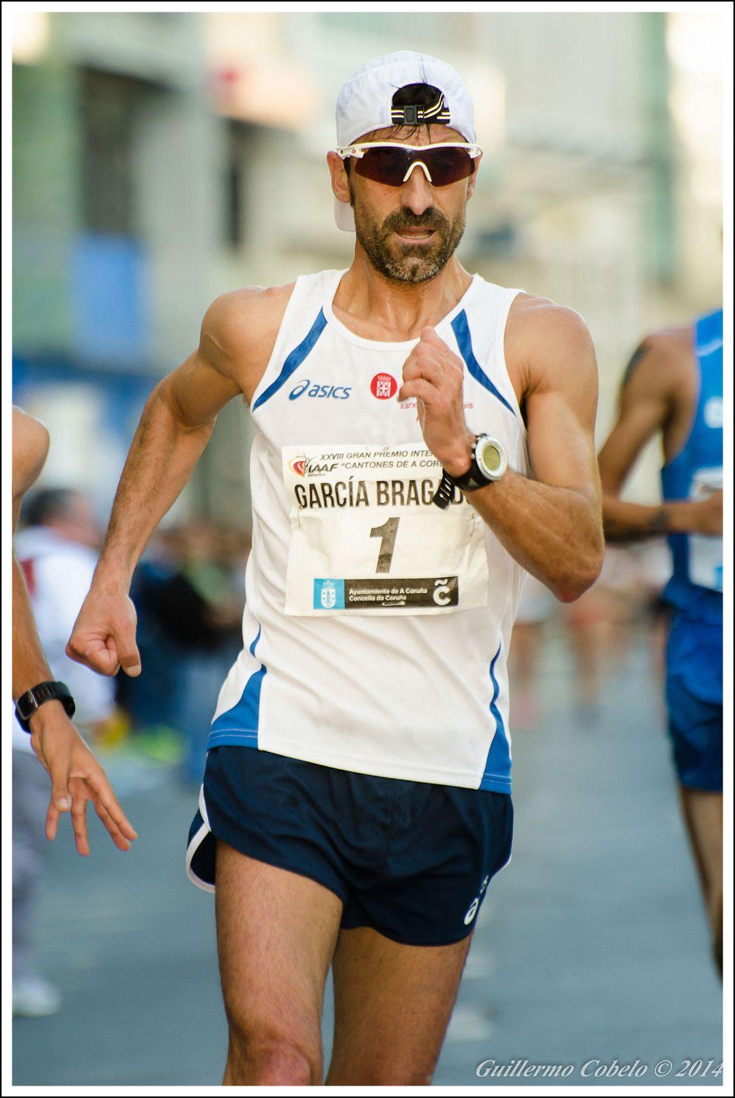 Jesús Ángel García Bragado es el deportista español, junto con Estiarte y el jinete Luis Alvarez, con más participaciones en JJ.OO., 6 participaciones, Y el atleta internacional con más participaciones en mundiales, 10.